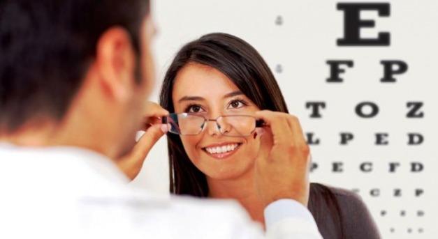 Jogosítvány megszerzése: miből áll a látásvizsgálat?